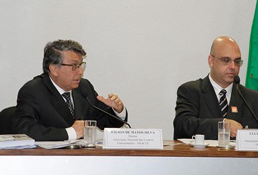 Reitor Wilson Matos defende melhorias na educação em audiência pública no Senado